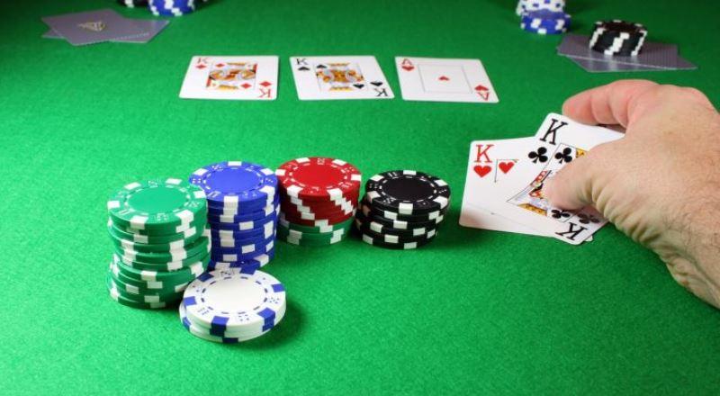 Sekarang Sudah Waktunya Bermain Poker Online